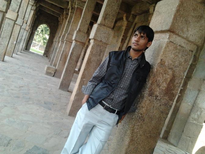 Anshu Dikshant at Qutab Minar, Delhi