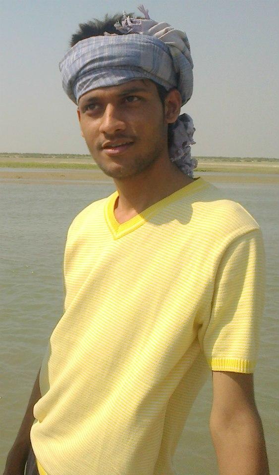 Anshu Dikshant at Sarayu (Ghaghara) River in Rajpur, Siwan (Bihar)